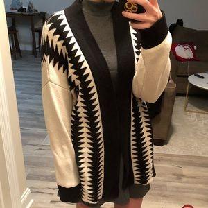 BB Dakota comfy thick aztec print sweater size M